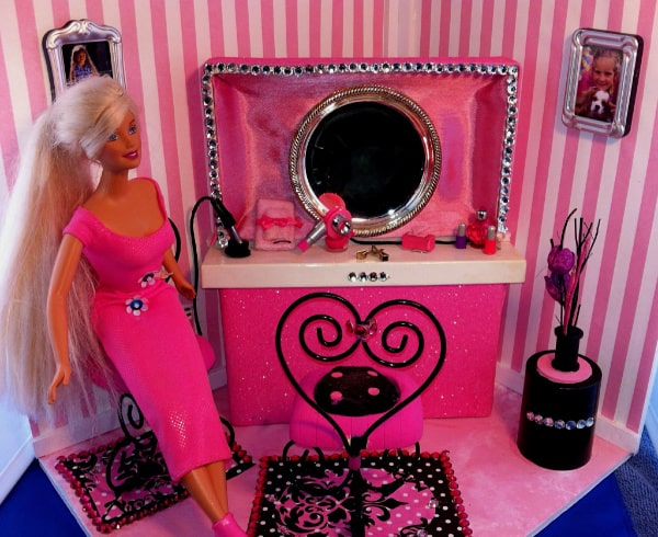 Feature Barbie Doll DIY Hair Salon