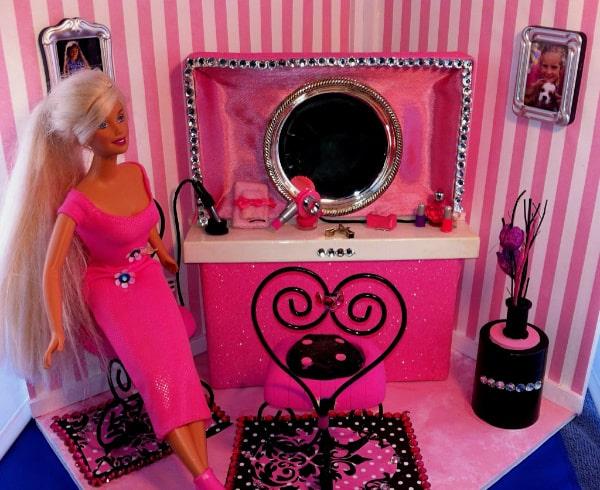 Feature Barbie Doll DIY Hair Salon