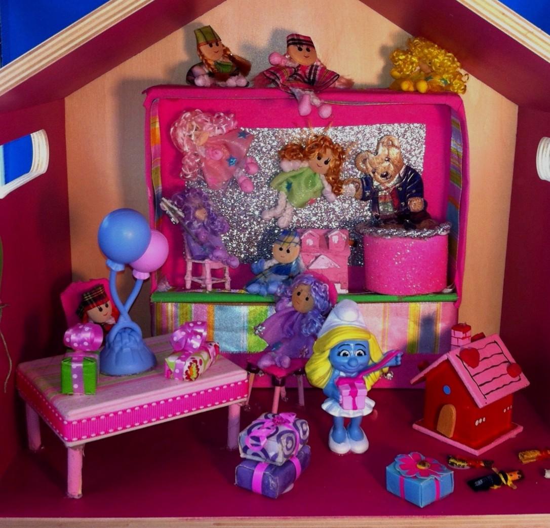 DIY Smurf Diorama