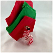 DIY Candy Cane Napkin & Mint Holder www.starrcreative.wordpress.com