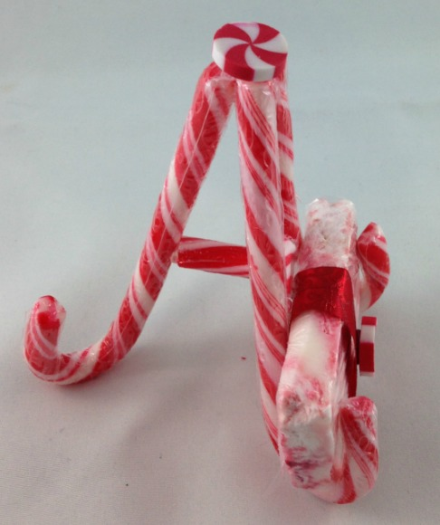 Christmas Easy DIY Soap Bars and Candy Cane Soap Holder Side View #Christmas #soap #craft #candycane #easy #DIY #soapholder #handmade.jpgb