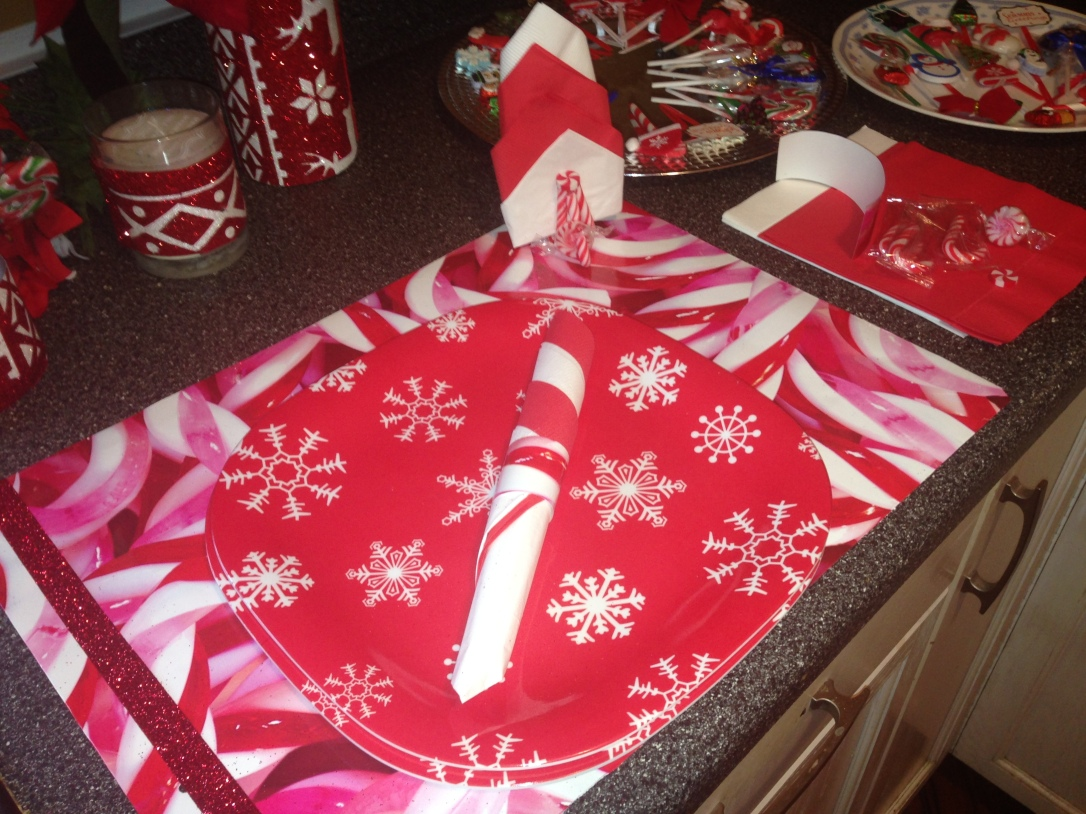Repurposed Gift Bags for Placemats and Napin Rings