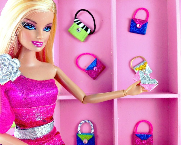 DIY Barbie Doll Easy NoSew Hand Made Purses #barbiedoll #accessories #purses #handmade #sparkle #easy #craft #trash_to_treasure #Thrift_store_find #DIY  #Barbie_doll #Love_story #Upcycled #Repurposed Starrcreative.ca