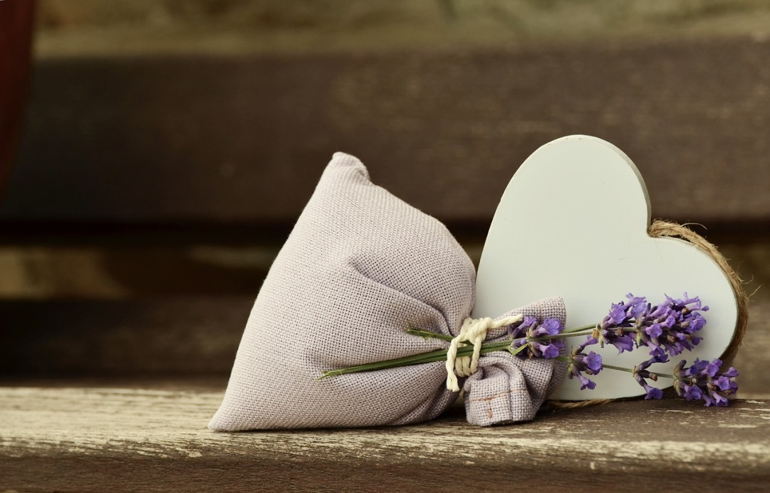 Lavender Sachet - Mother's Day Gifts for Mom's in Senior Living #lavendar #sachet #mothersday #gifts #seniors