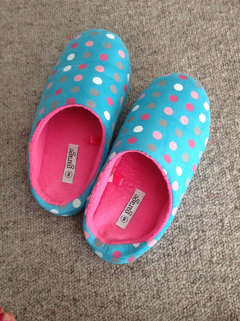 slippers -  Mother's Day Gifts for Mom's in Senior Living #slippers  #mothersday #gifts #seniors