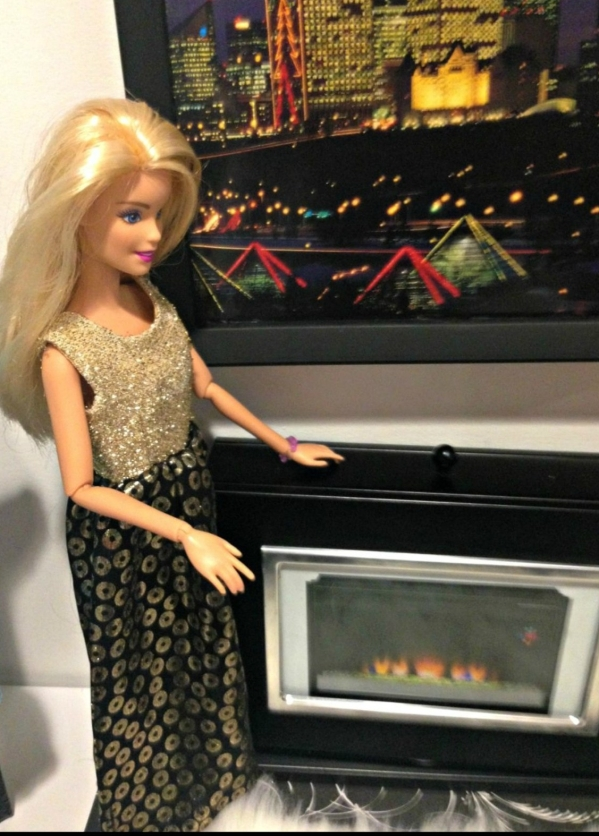 DIY Barbie Hotel DIY Barbie Doll Hotel Trash to Treasure #barbiedoll #furniture #upcycle #hotel #fireplace #bed #TV #diorama #repurpose #DIY #Thriftstore #trashtotreasure #Starrcreative.ca