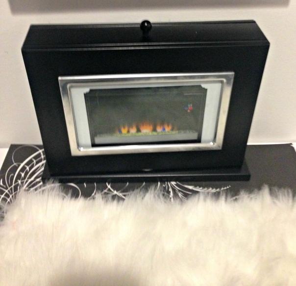 Mini Photo Album to Barbie Fireplace DIY Barbie Doll Reversible Fireplace and Fishtank DIY Barbie Doll Hotel Trash to Treasure #barbiedoll #furniture #upcycle #hotel #fireplace #bed #TV #diorama #repurpose #DIY #Thriftstore #trashtotreasure #Starrcreative.ca