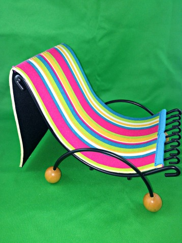 DIY Barbie Doll Beach Chair from dish rack and tablet case.