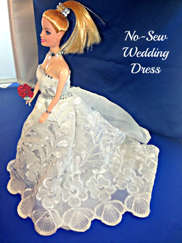Barbie Doll No-Sew Wedding Dress #Barbie_doll #wedding_dress #no_sew #hand_made #doll #clothes #wedding__gown Starrcreative.ca