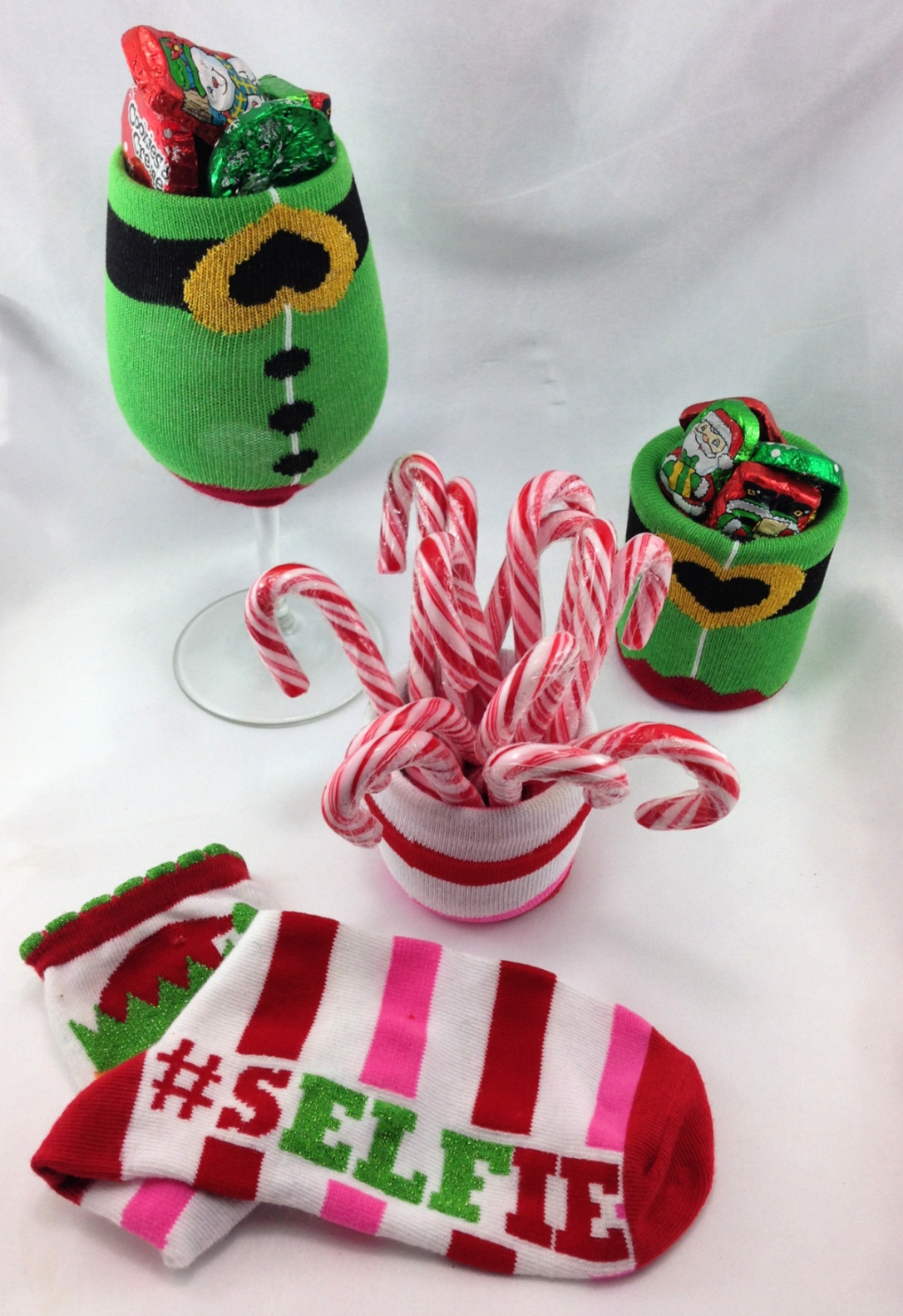 DIY Christmas Sock Vase, Candy Dish and Candle Cozies #Christmas #craft #DIY #Christmas_Sock #Vase #Candy_Dish #Candle #Cozies #repurposed #upcycle