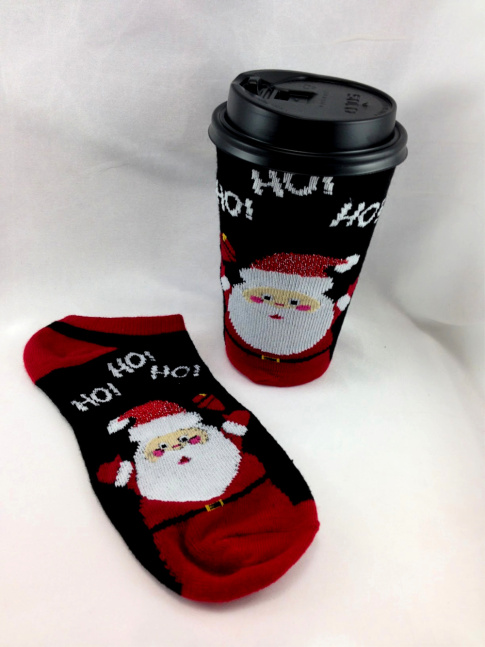 Take Out Coffee CoziesDIY Christmas Sock Slurpee Cozie #water_bottle DIY Christmas Sock Drink Cozies #christmas #craft #christmas_sock #cozie #drink_cozie #cozzie #wine_cozie #coffee_cozzie #DIY #repurpose