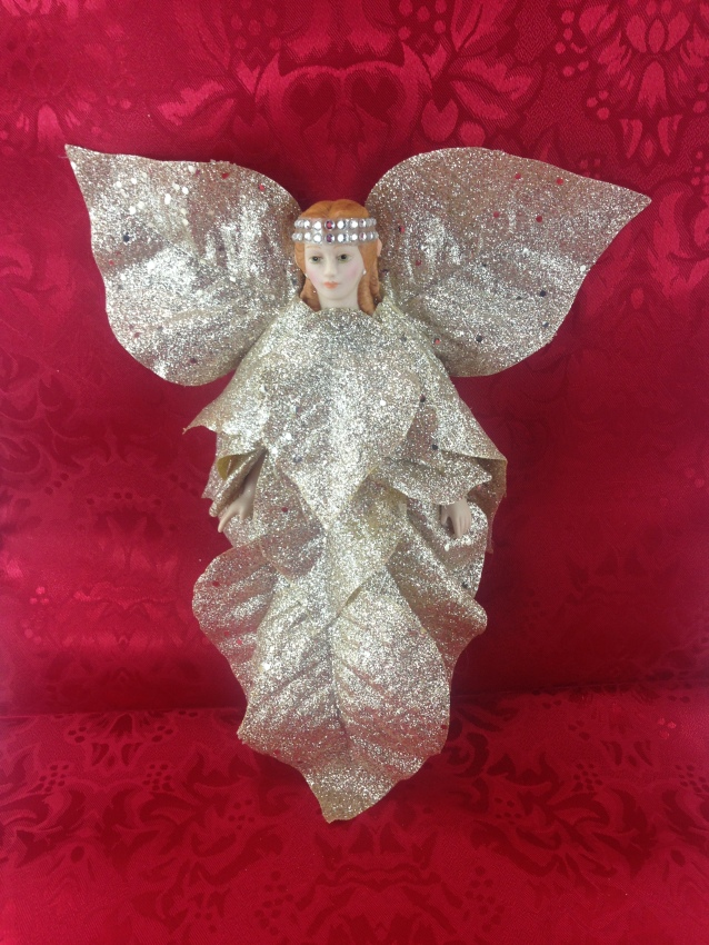 DIY Christmas Poinsettia Angel Fairy. My fairies are abandoned dolls transformed into a flower - a new beginning, a new start. #DIY #Christmas #Poinsettia #Angel #Fairy