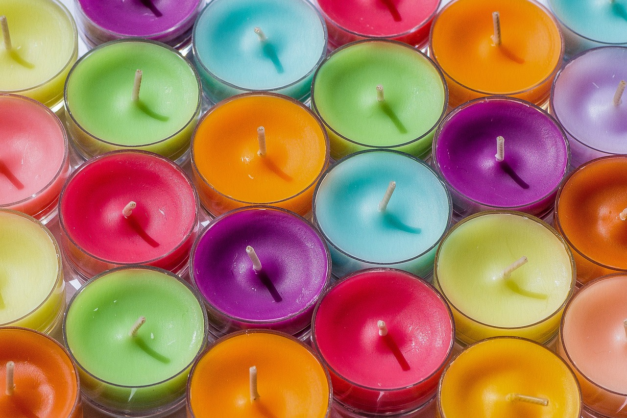 Candle Entertaining inspirations with multi-colored theme. #entertaining #multi-colored #party #decorations #candles