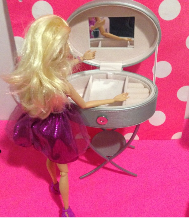 DIY Barbie Vanity from Upcycled Thrift Store Finds #DIY #Barbiedoll #vanity #upcycled #thriftstore #trashtotreasure Starrcreative.ca