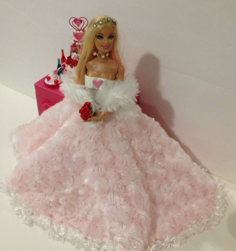 Barbie Says Yes To This Amazing No Sew Valentine S Wedding Dress Starrcreative Ca